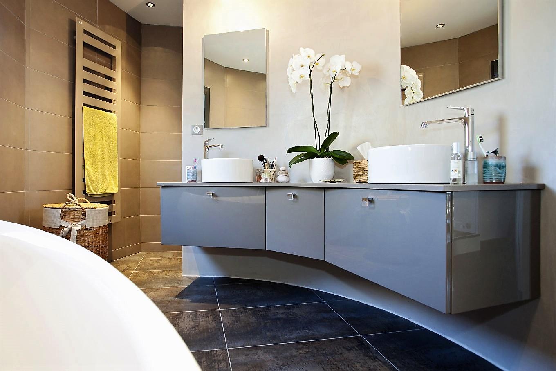 Salle de bains ESSENCE LAQUE BRILLANTE GRIS