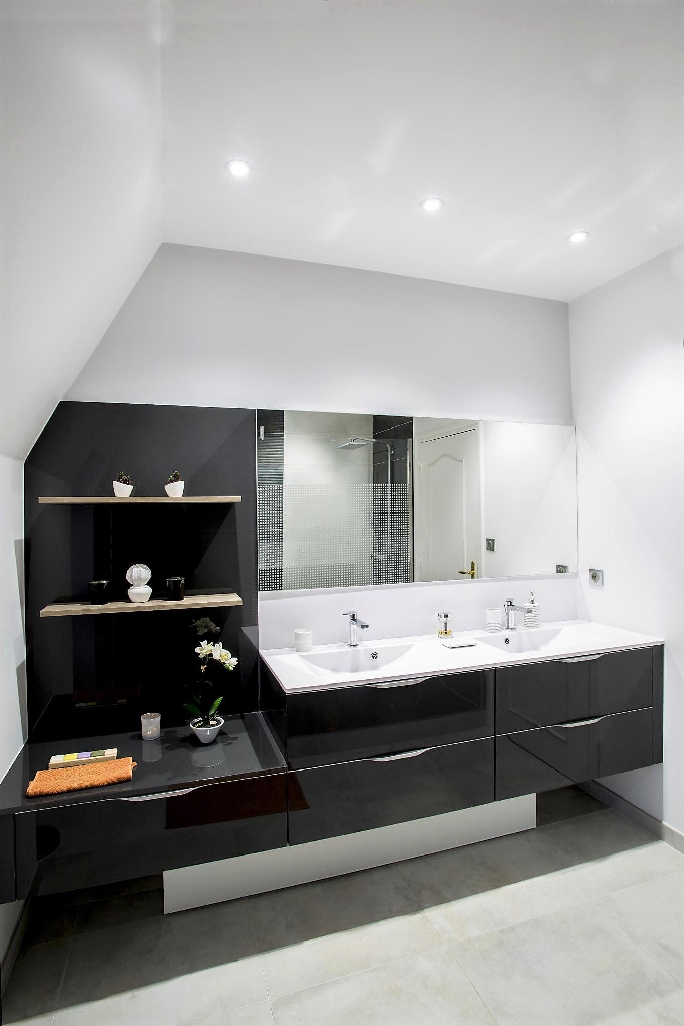 Salle de bains FUTURA MÉDIUM VERNIS BRILLANT GRIS GRAPHITE MÉTALLISÉ